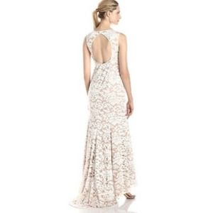Adrianna Papell Embroidered Lace Wedding Gown SZ 6